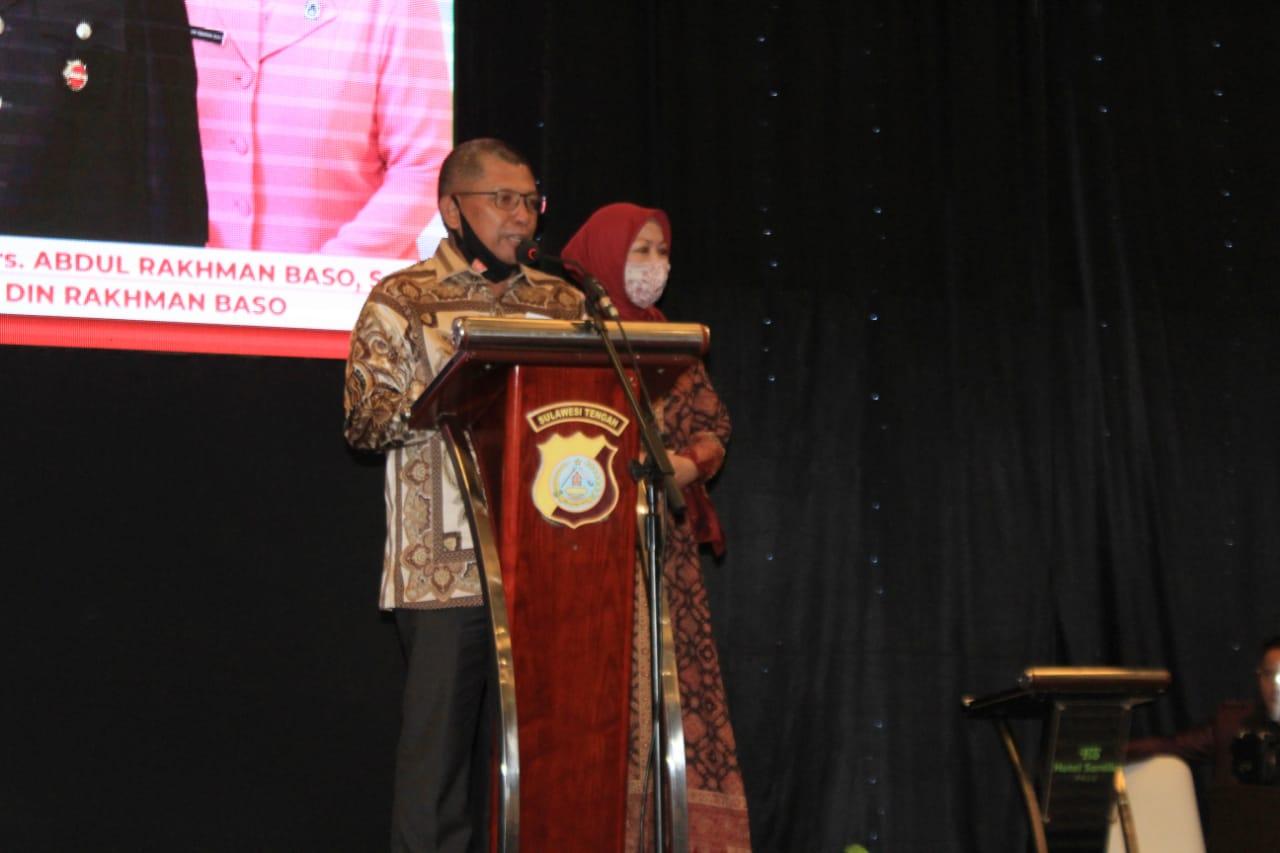 Kapolda Sulteng, Irjen Pol. Drs. Abdul Rahman Baso, SH saat menyampaikan sambutan pada acara pisah sambut. FOTO : IST