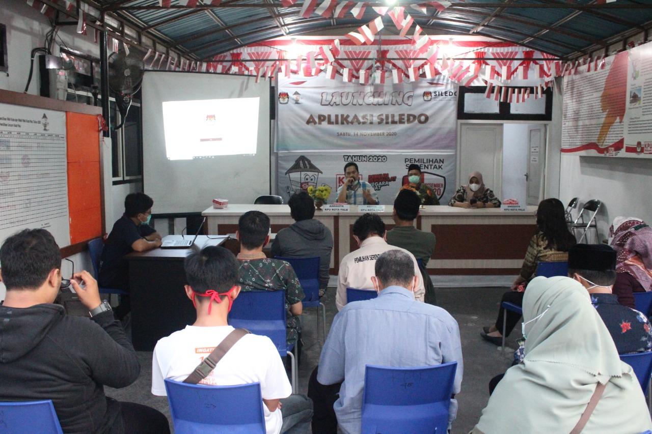Suasana lauching Sistem Layanan Elektronik dan Dokumen (SILEDO) di Media Center KPU Kota Palu, Sabtu (14/11/2020). FOTO : IST